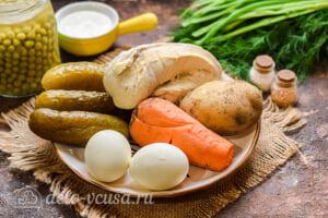 Салат «Столичный» с курицей: Ингредиенты