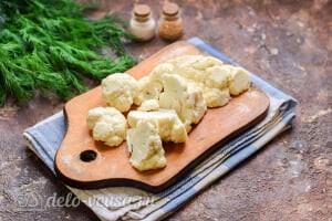 Суп-пюре из цветной капусты: Режем цветную капусту