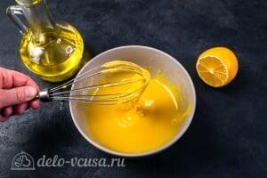 Домашний майонез на желтках: По мере добавления масла соус начинает густеть
