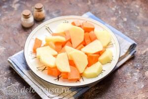 Морковный суп-пюре со сливками: Добавляем картофель