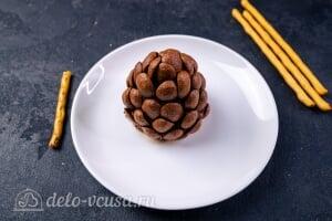 Пирожные «Шишки»: Придаем шишке нужную форму