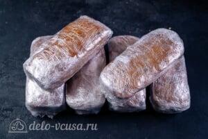Рождественский кекс с цукатами и коньяком: Заворачиваем кексы в пленку и оставляем на 4 недели