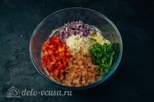 Фаршированная пекинская капуста на закуску: Соединяем все ингредиенты для начинки