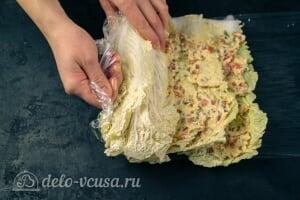 Фаршированная пекинская капуста на закуску: Сворачиваем капусту в рулет