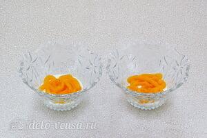 Творожный десерт с хурмой: Сверху укладываем слой пюре из хурмы