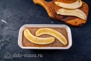 Простой банановый хлеб: Украшаем хлеб бананами