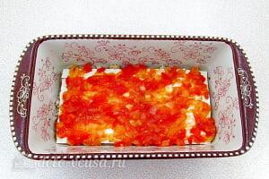 Лазанья из лаваша с фаршем: Сверху кладем сверху слой овощного соуса