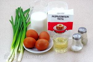 Оладьи на кефире с зеленым луком и яйцом: Ингредиенты