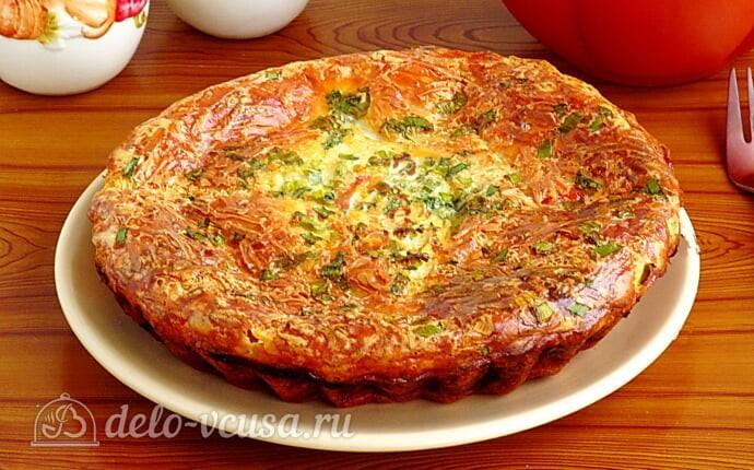 Яичная запеканка с помидорами и сыром