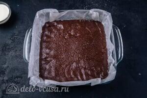 Кокосово-шоколадный десерт королевы Анны: Выкладываем шоколадную массу в форму