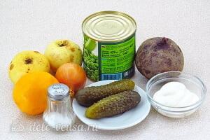Салат из свеклы с соленым огурцом и яблоками: Ингредиенты