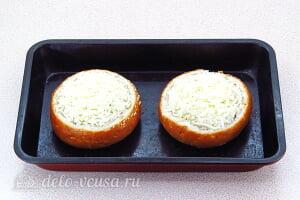 Жульен из шампиньонов в булочке: Посыпаем булочки сыром