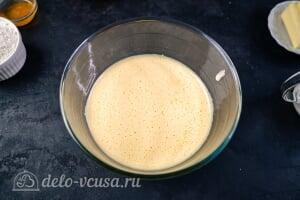 Кулич Краффин пасхальный: Взбиваем яйца с сахаром в пышную, белую пену
