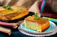 Пирог-перевертыш с ревенем
