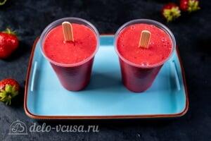 Клубничное мороженое со сгущенкой: Отправляем мороженое в холодильник